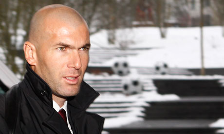 Zinedine Zidane has defended France coach Laurent Blanc over the race quota row