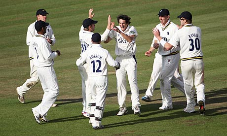 Hampshire v Warwickshire: Chris Wright