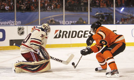 New York Rangers goalie Henrik Lundqvist vs. Philadelphia Flyers