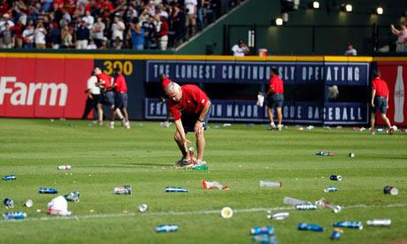 Bottles, Cardinals vs Braves