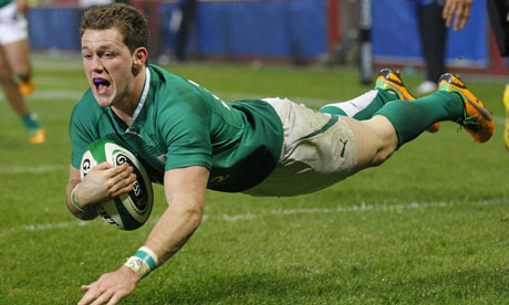 Craig Gilroy scores a try for Ireland XV against Fiji
