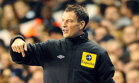 Referee Mark Clattenburg, 4th official,