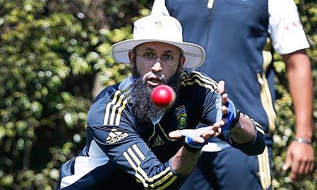 South Africa's Amla takes a catch at Sydney Cricket Ground during practice