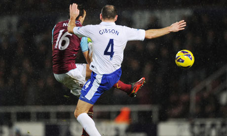 Everton's Darron Gibson in action