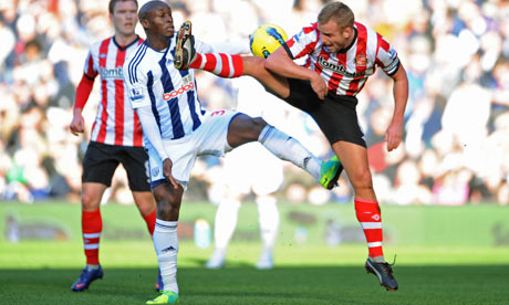 Marc-Antoine Fortune tangles with Sunderland's Lee Cattermole