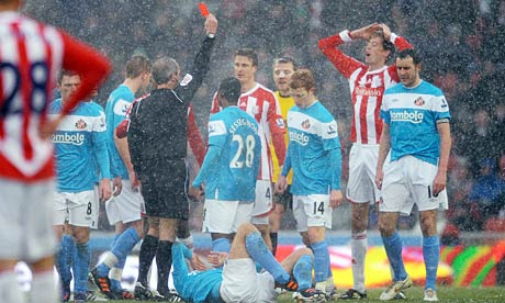 Robert Huth is sent off for Stoke City
