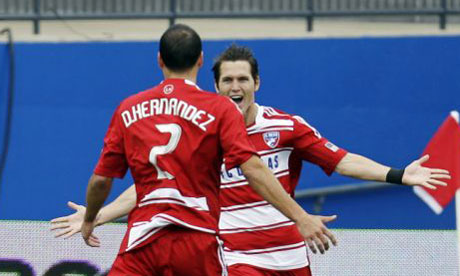 Zach Loyd celebrates scoring for FC Dallas vs New York Red Bulls