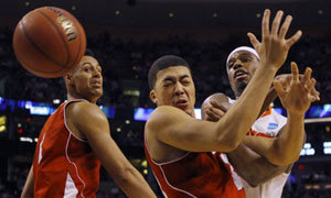 Wisconsin's Rob Wilson vs Syracuse's C.J. Fair. March Madness 2012