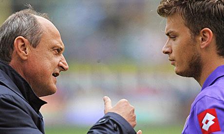 Delio Rossi, left, with Adem Ljajic during Fiorentina's match with Internazionale last month