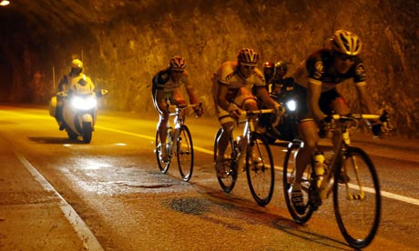 The leading breakaway in a tunnel on stage 12