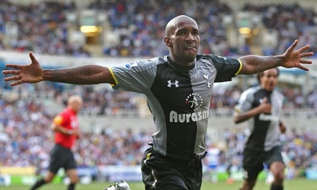Defoe celebrates scoring the third goal for Tottenham