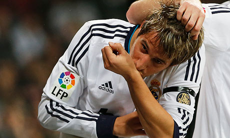 A Bola: Chelsea & Manchester City lead the chase for Fabio Coentrao