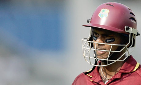Shivnarine Chanderpaul, the world's No2 Test batsmna, has joined Derbyshire on a two-year deal