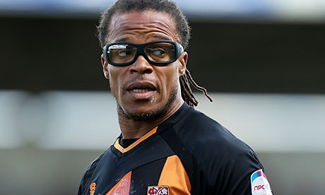 Davids confirms intention to stay at Bar...