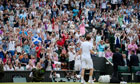 Fans cheer Andy murray