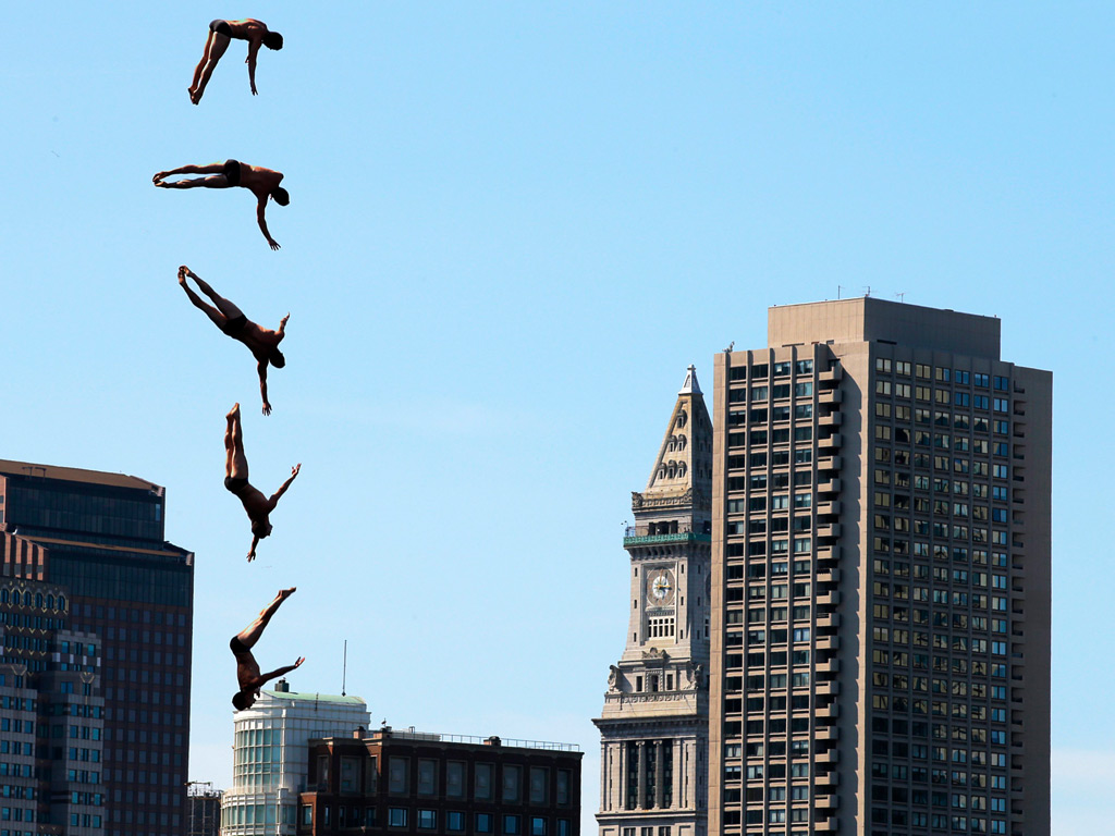 Red Bull Cliff Diving Wallpaper The Red Bull Cliff Diving