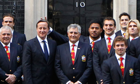 Manu Tuilagi apologises for 'bunny ears' prank on David Cameron at No10