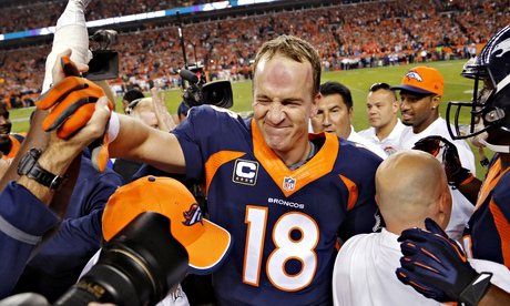 Peyton Manning breaks NFL record for career touchdown passes