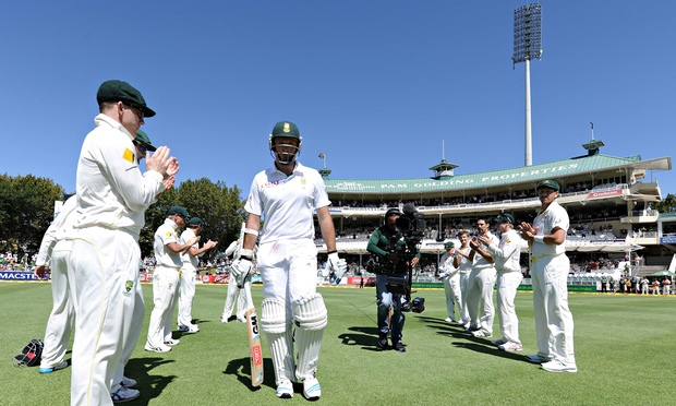Graeme Smith (capt) of South Africa receives a gaurd of Honour from the Australian team