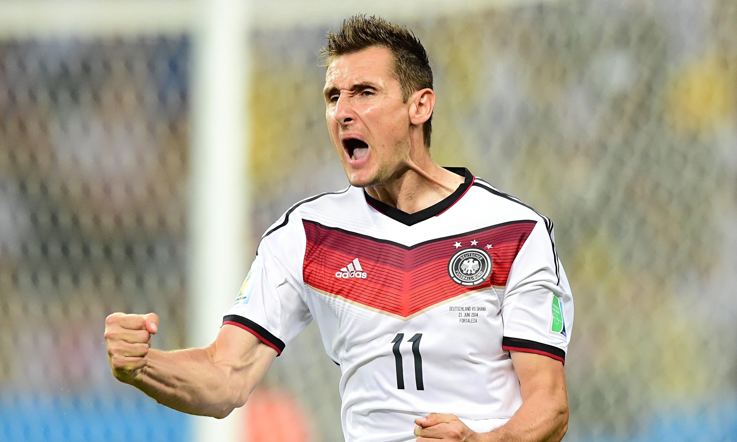 Miroslav-Klose-scored-a-r-014.jpg