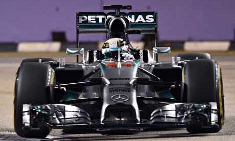 Lewis Hamilton claims Singapore F1 Grand Prix pole from Nico Rosberg