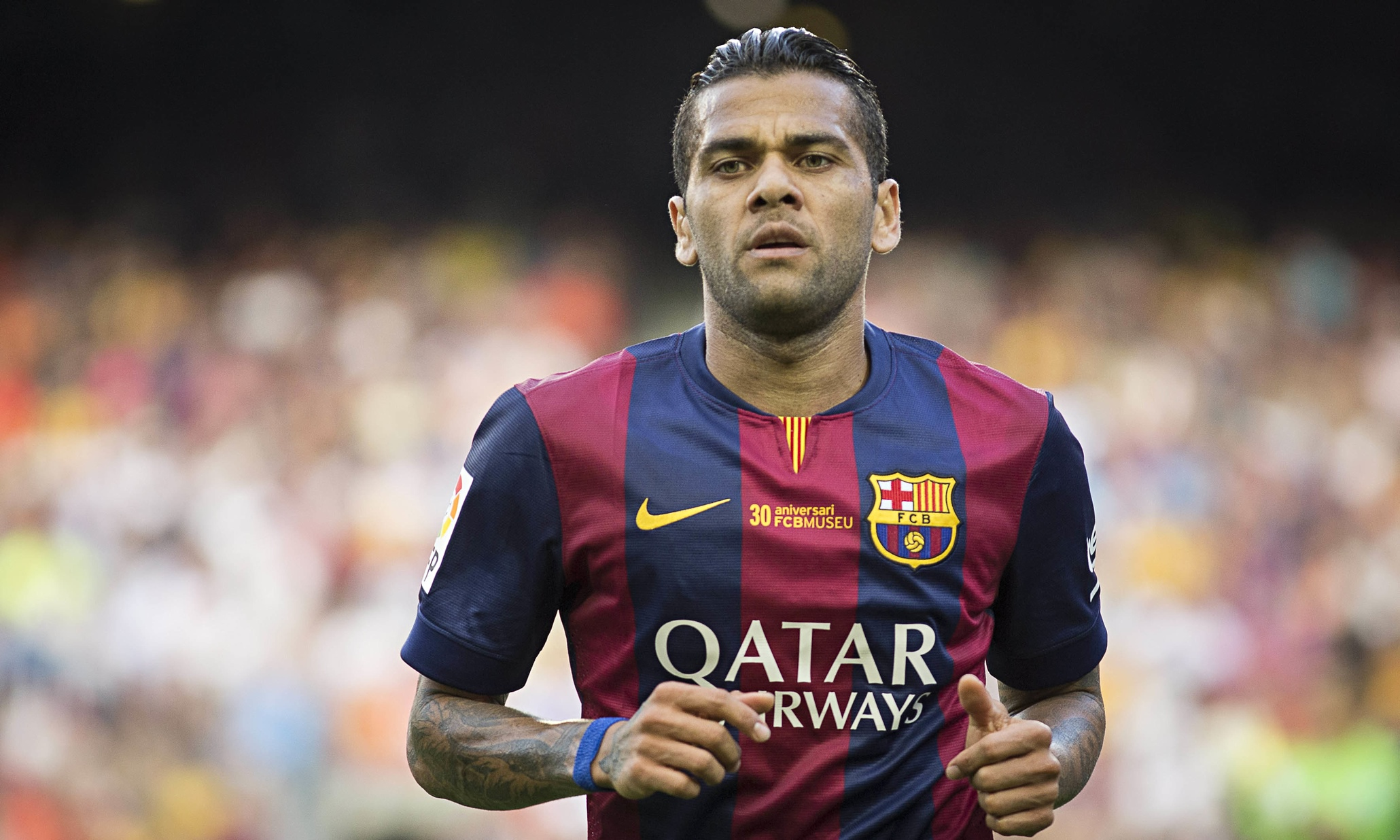 Dani Alves earned a 10 million dollar salary, leaving the net worth at 60 million in 2017