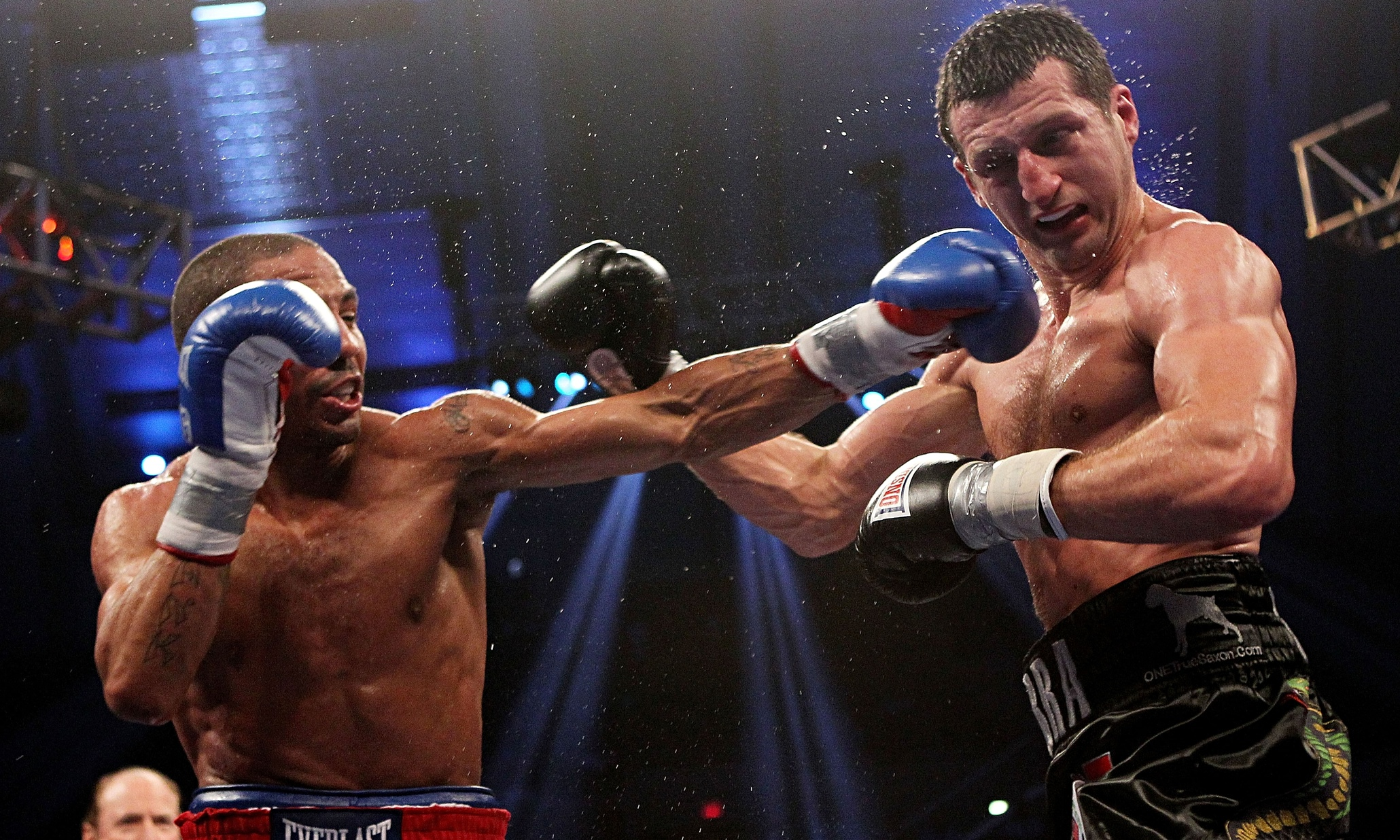 http://static.guim.co.uk/sys-images/Sport/Pix/pictures/2015/3/31/1427803109356/Andre-Ward-v-Carl-Froch-009.jpg