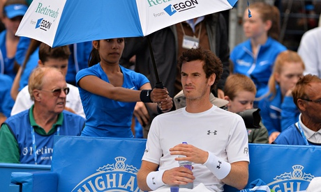 Andy Murray forced to wait at Queen's after 'The Dog' bares his teeth