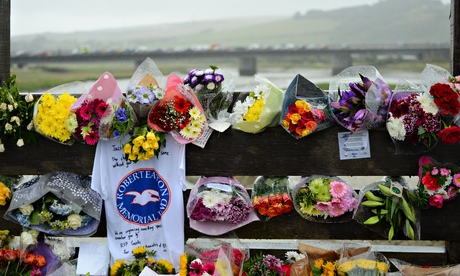 Worthing move next match to honour players killed in Shoreham air crash