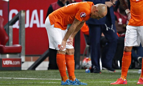 Bayern Munich's Arjen Robben out for four weeks with thigh injury