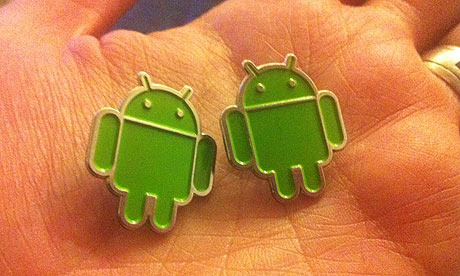 Android badges 007 Android gets everyone in a frenzy at Mobile World Congress