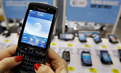 rim loses 1m blackberry users in us while android and apple boom apple store loses 1m of kit inside paris raid 460x276