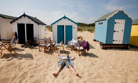 School holiday ideas five of the best uk beaches for kids for Model beach huts