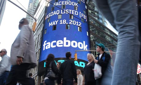 Move to mobiles and share rebound leaves Facebook sitting pretty