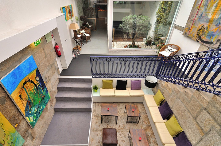 Luxury hostels: Gallery Hostel, Porto, Portugal