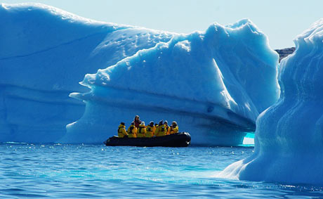 Zodiac cruise amongst the ice