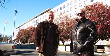 Retired KGB general Oleg Kalugin with former FBI agent David Major, Washington DC