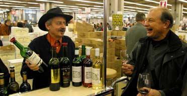 Fine wine sellers travel the guardian for Salon vin paris