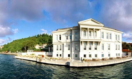 Romantic hotels: Aija Hotel. Riverside retreat .