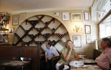 Paris bars a vins: Taverne Henri IV