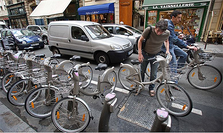 Bikes In Paris Cycling Paris on a Vlib bike