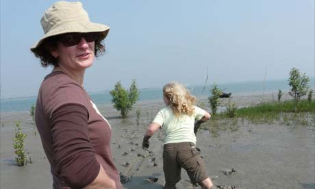 Jill Insley and 11-year-old daughter Imogen in Sunderbans, India
