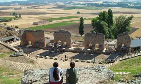 Volunteering archaelogy dig in Clunia, Spain