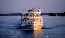 Cruise-Ship-on-Volga-Rive-001.jpg