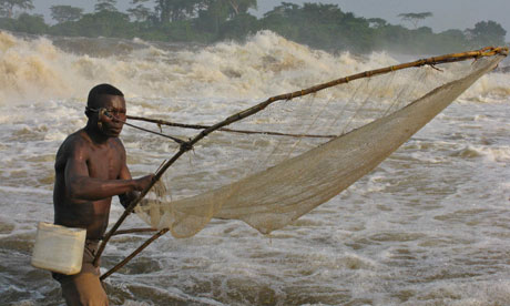 Canoeing the Congo - Wagenia fisherman