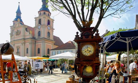 Readers' travel tips: antiques markets
