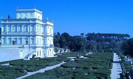 Your walk will take you to Rome's stunning Villa Pamphili park