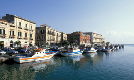 Sicily s top 10 beach hotels and b bs on a budget tripulous for Hotels in siracusa ortigia