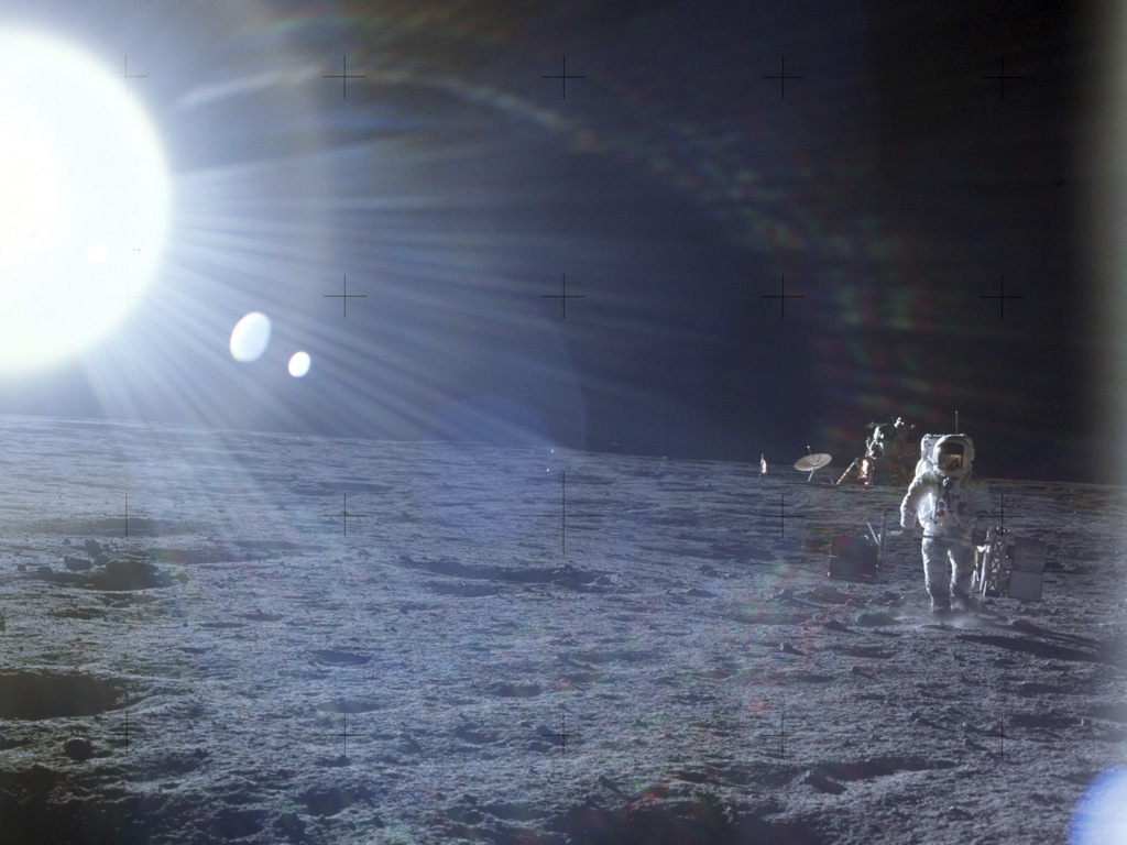 Apollo 12 Astronauts and Names - Pics about space