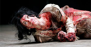 Laura Lees in as Lavinia in Titus Andronicus at the Globe, London May 2006